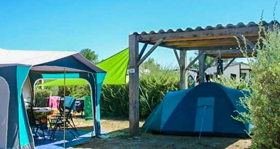 camping emplacement tonnelle camargue