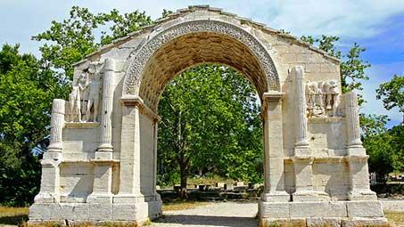 Visiter les monuments de saint remy de provence